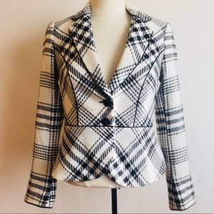 White House Black Market Jackets & Coats - WHBM White House Black Market Plaid Blazer Size 0